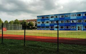 Blaues Haus der Grundschule an der Berg-am-Laim-Straße