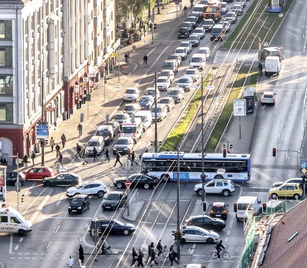 Kreuzung Ampfingstraße