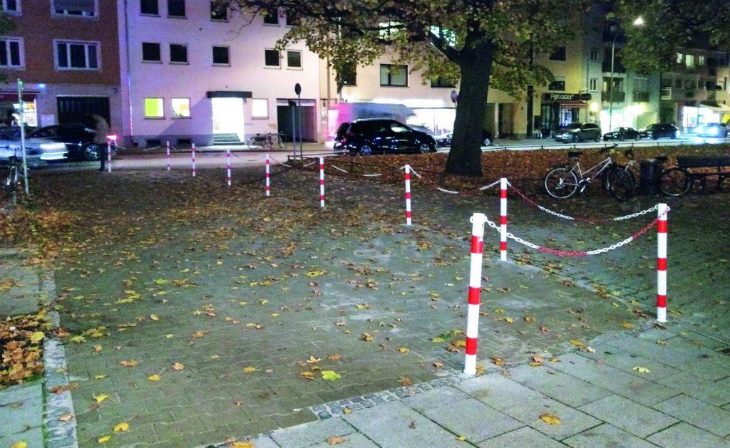 Kette an der Baumkirchner Straße
